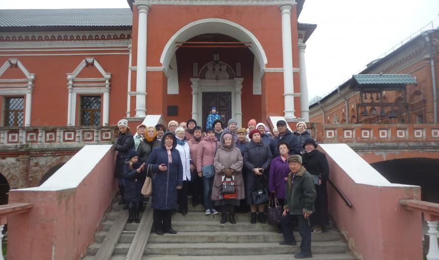 Экскурсия в Высоко - петровский  монастырь 02.11.15   P1210060