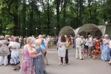 Танцы в парках Москвы