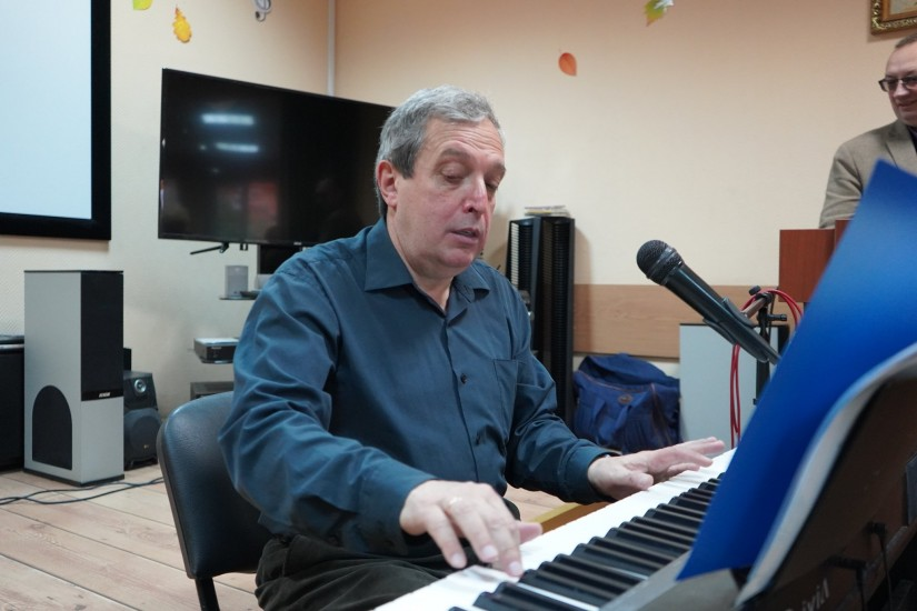 Орехово, Пианино, Пианист, микрофон